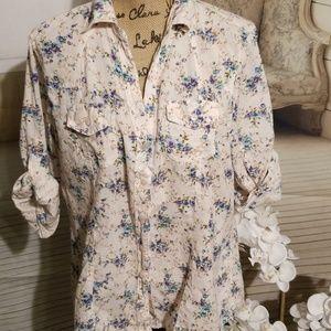 Eden & Olivia floral button up blouse